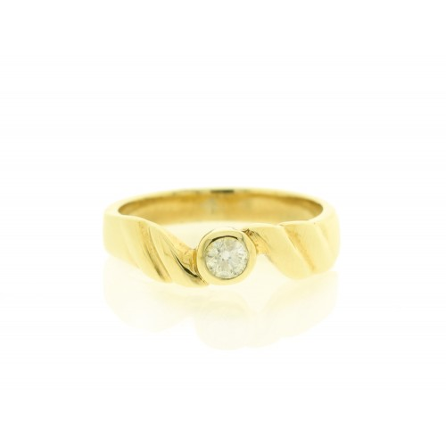 9ct Yellow Gold Rub Over Diamond Ring